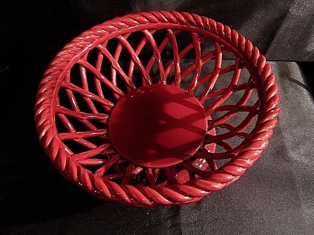 Crofton Glazed Ceramic Bread Basket Footed W Lattice Design And Pie Crust Rim Glazed Ceramic Lattice Design Bread Basket