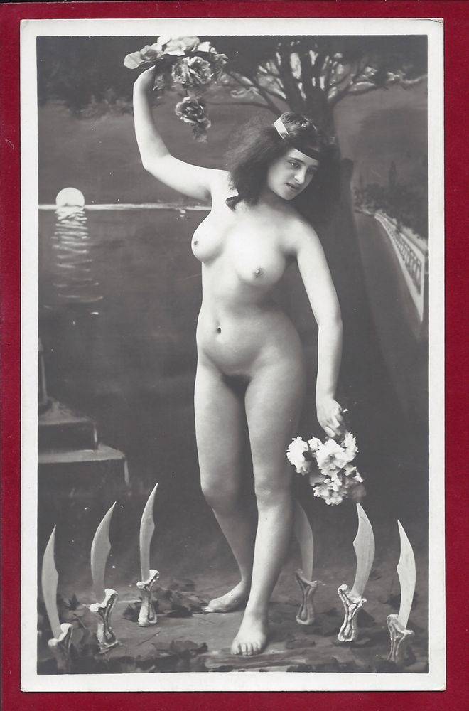 1910s Antique Art Deco Jazz Age Nude Photobusty Pinup Hairy Flapper W Knives