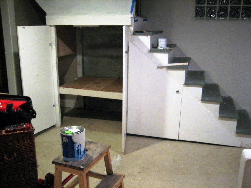 Under Stairs Basement Ideas: Basement Storage Ideas Under Stairs
