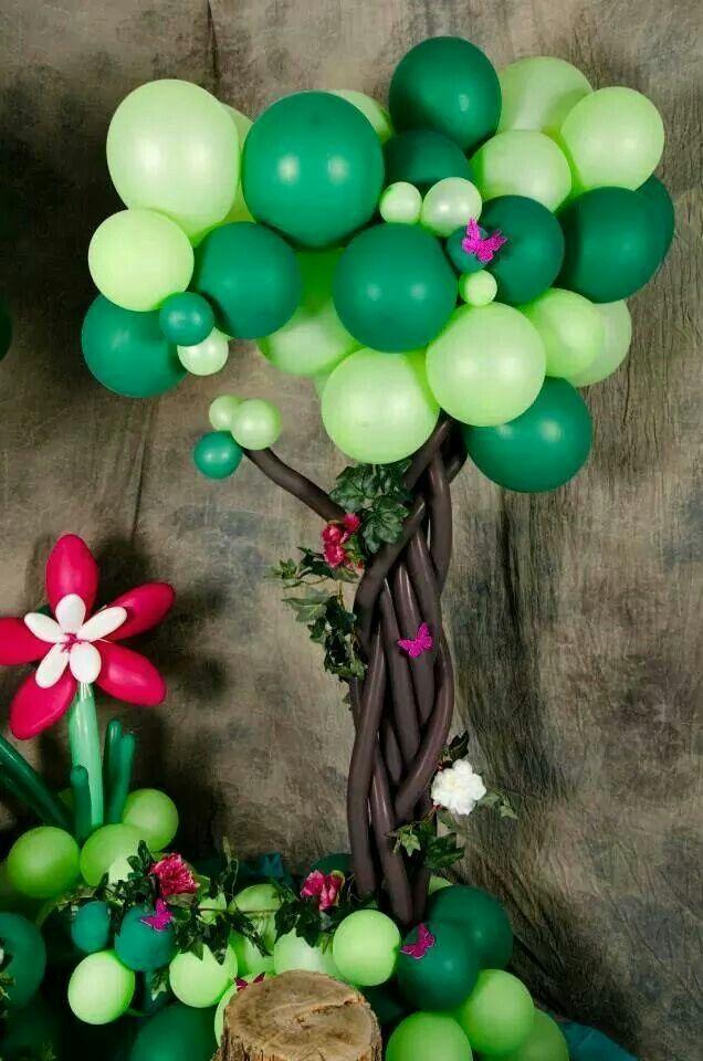 arbol hecho de globos