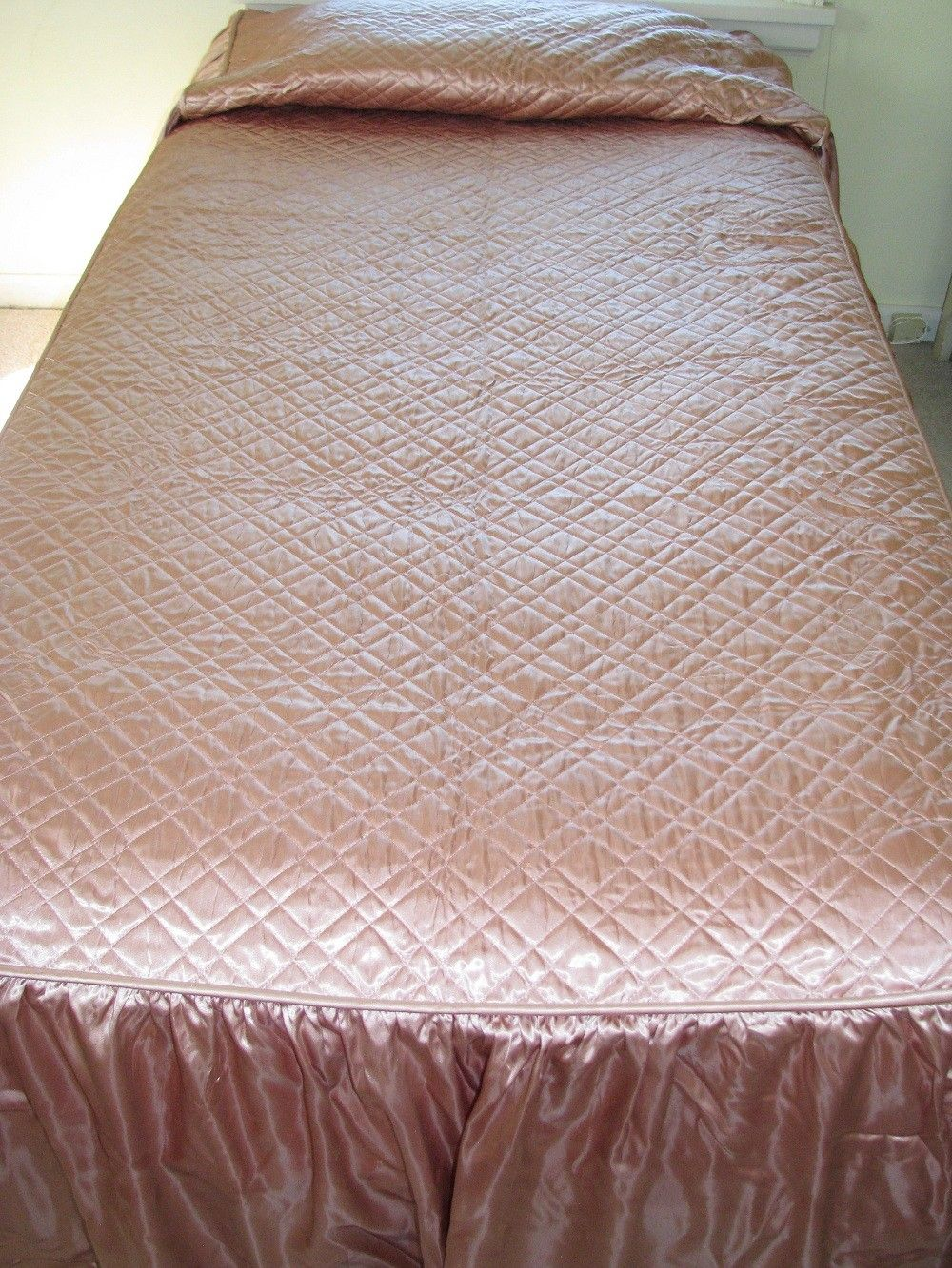 RESERVED for MARIAN Vintage Salmon Pink Quilted SATIN Bedspread ... : pink quilted bedspread - Adamdwight.com