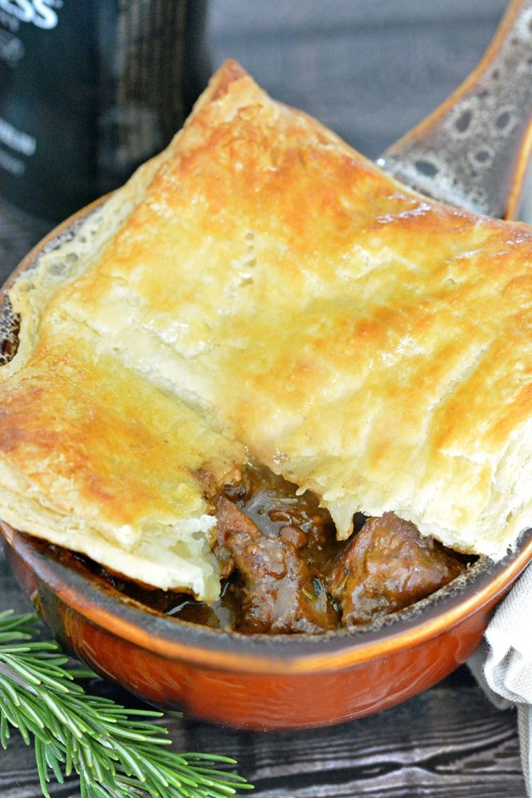 Hearty and Tender Steak and Ale Pie - Foodie and Wine ...