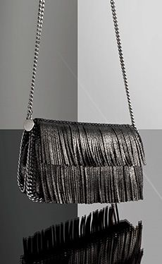 I hate you Stella McCartney, this shoulder bag is quite one of the best pieces I seen in a long time. BRAVO