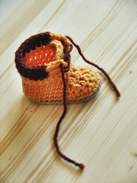 SCHEMA uncinetto - Adventure Boots - ( stivali da lavoro unisex ) - Pattern ID #004 construction woodsman baby booties boots  shoes work boots timberland crochet pattern by invenzionidifilo invenzioni di filo