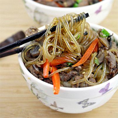 Bulgogi Japchae (Stir-Fried Noodles with Bulgogi) (With ...
