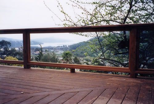 Outdoor railing glass google search outdoor railings for Garden decking glass panels
