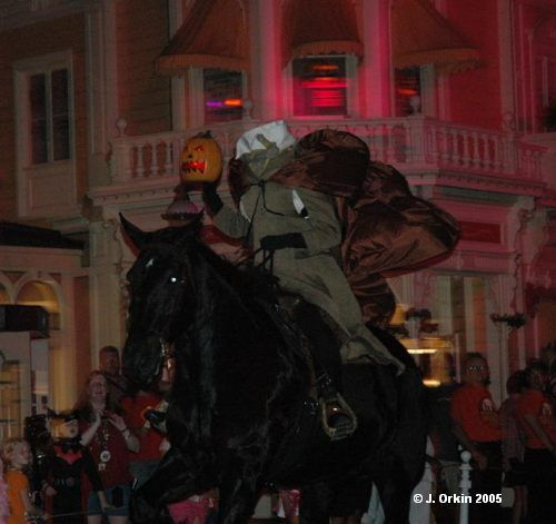 Mickey's Not So Scary Halloween Party parade. Plan on going to this this year. Can't wait.