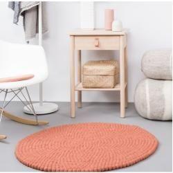 Photo of Handgefertigter Teppich Lea aus Schaffell in Lachsfarbe myfeltmyfelt