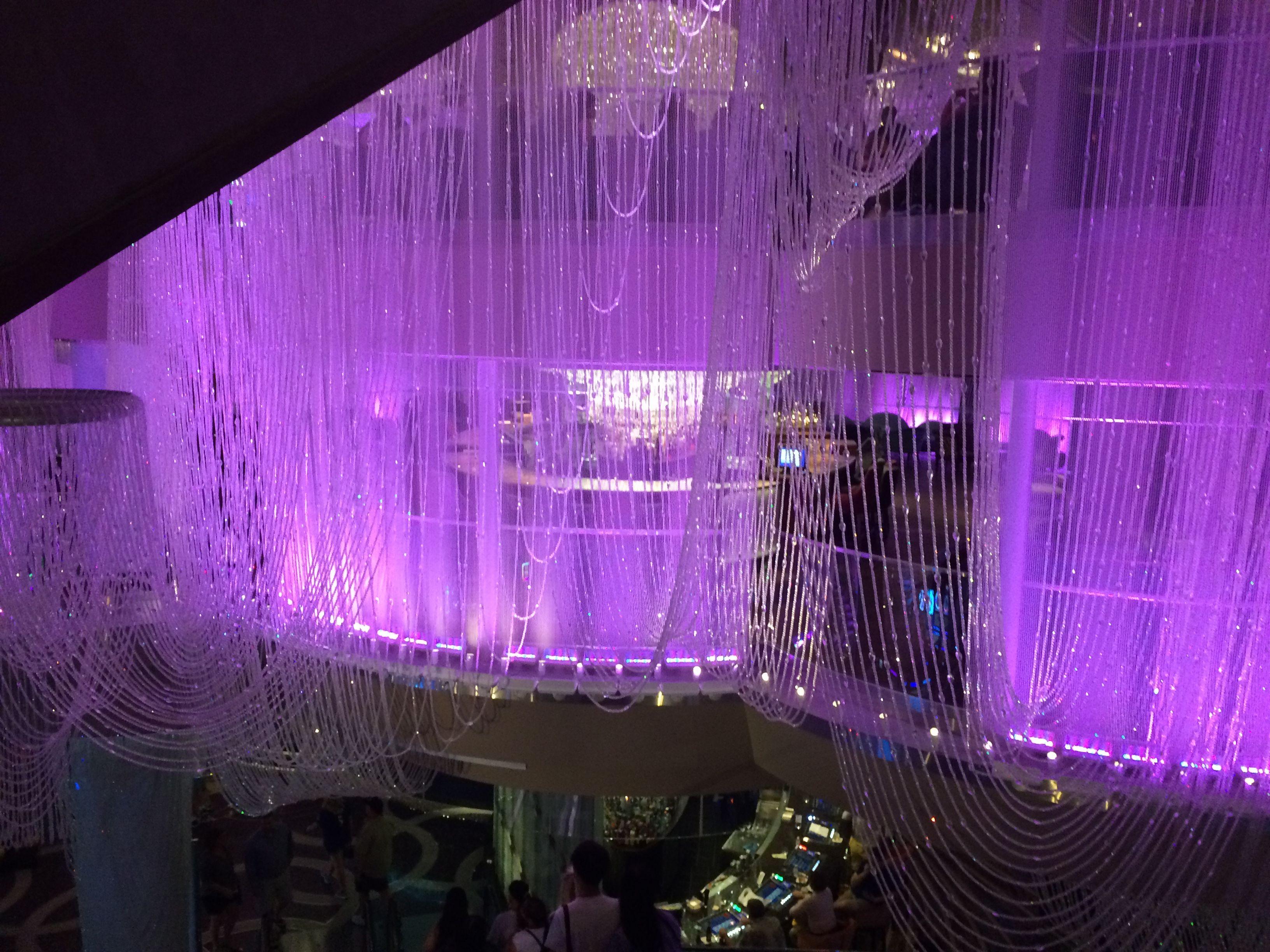 Worlds largest chandelier cosmopolitan las vegas october 2016 worlds largest chandelier cosmopolitan las vegas october 2016 arubaitofo Gallery
