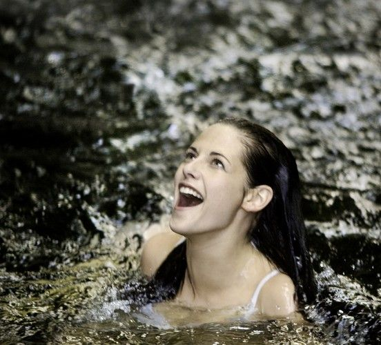 'Breaking Dawn - Part 1' Bella and Edward honeymoon ...