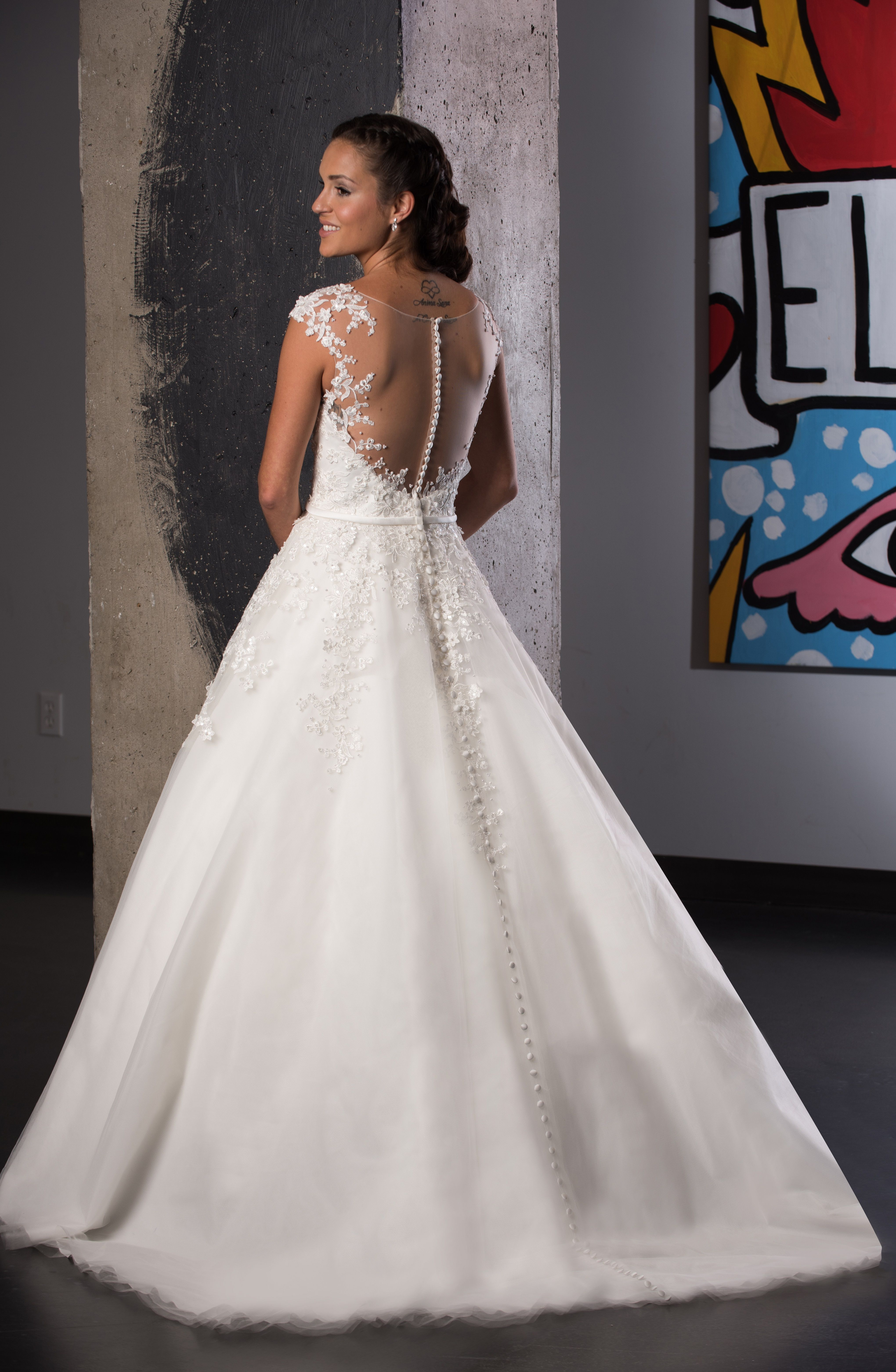 How Pretty Is This Illusion Back Wedding Gown With Buttons Running All The Way Down The Train Bridala Flower Girl Dresses Wedding Dresses Lace Wedding Dresses [ 6248 x 4080 Pixel ]