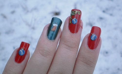 Red Christmas Water Decals Nails: http://nails1820.blogspot.fi/2014/12/jouluisat-water-decalsit.html