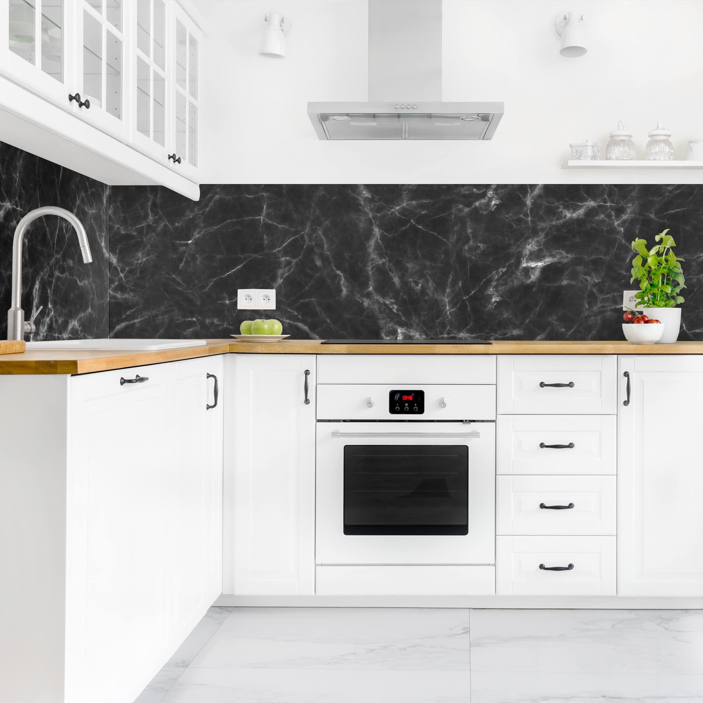 Rivestimento cucina - Marmo nero Carrara nel 2019 | Marmo ...