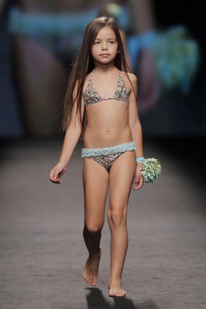 Fasion show Bikini