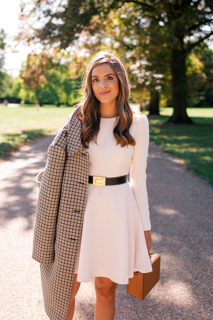 Photo of On A Crisp Autumn Day In London – Gal Meets Glam