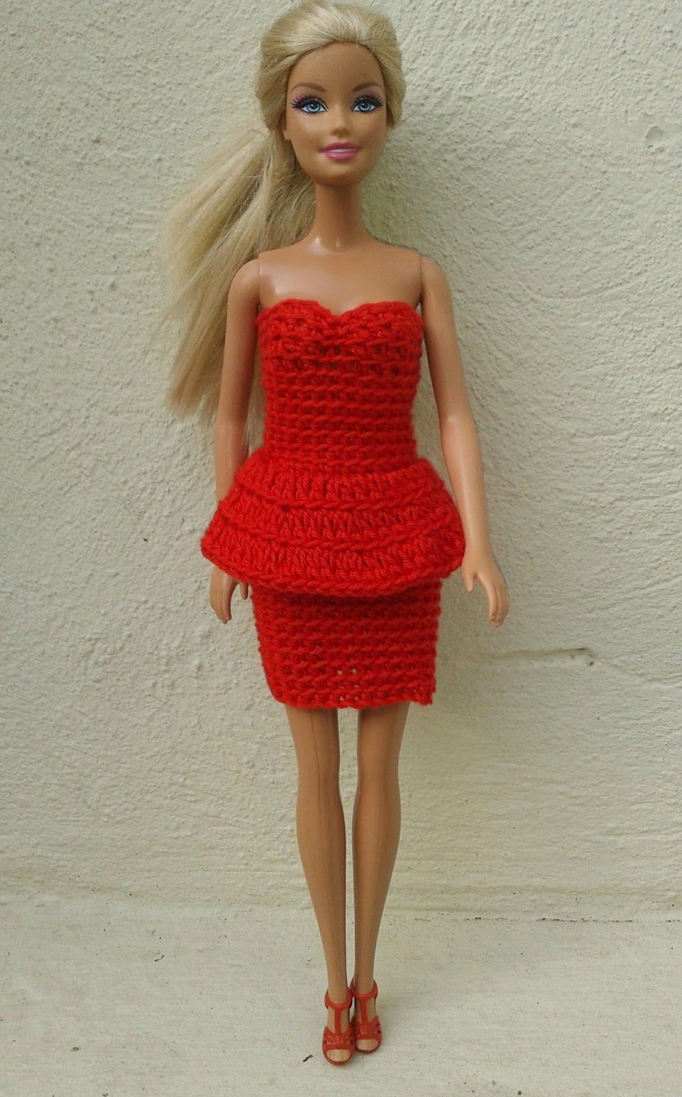 Lyn\'s Dolls Clothes: Barbie in red - crochet dresses | doll cothers ...