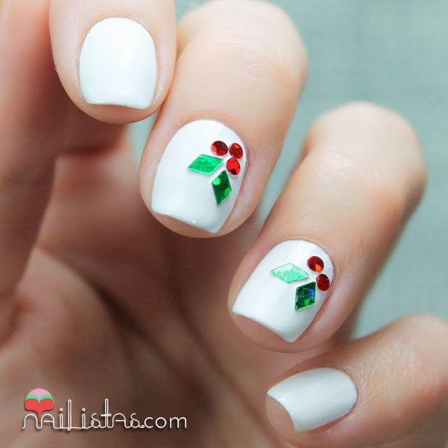 Uñas de navidad decoradas con muérdago acebo | Amazing Nails ...