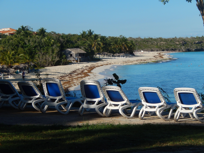 Paradisus Rio De Oro Resort Spa Holguín Paradisusriodeoro Dominiquefavreau Conseillère En Voyages Travelonly Pinterest Outdoor Outdoor Decor Sun Lounger