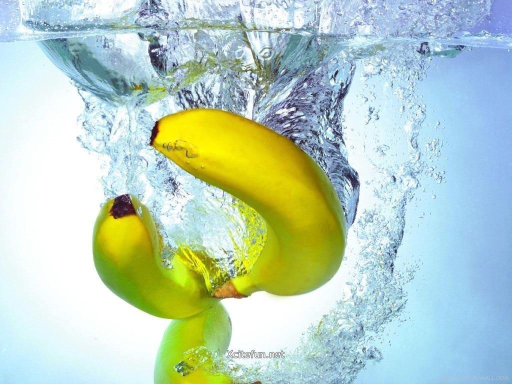 Fresh fruit wallpaper - Water Bananas Wallpaper