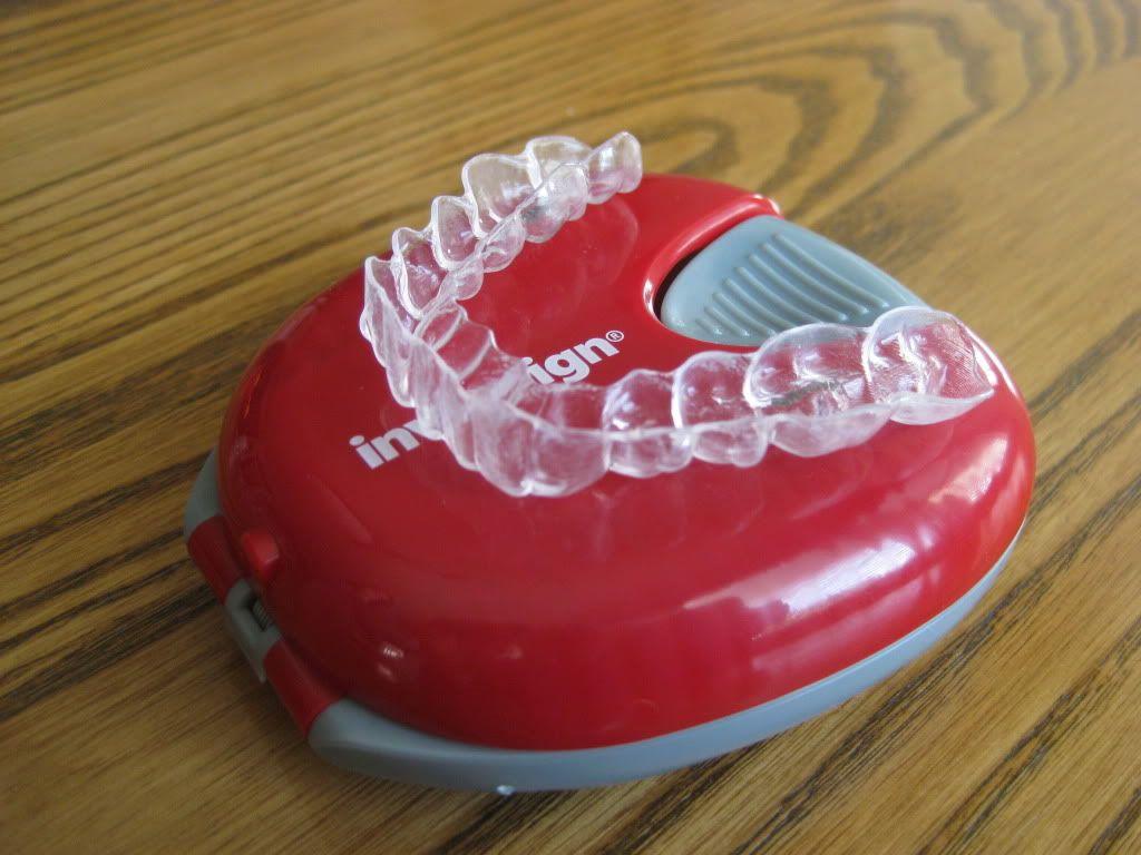 Invisalign Retainer and Case Orthodontic Accesorries