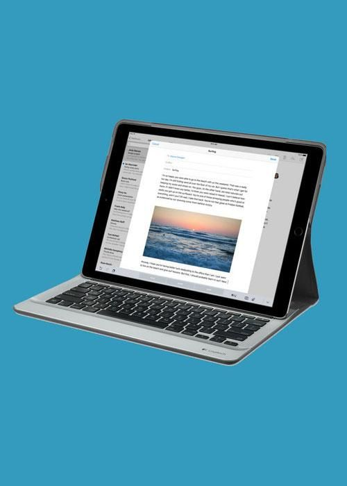 how to turn on apple keyboard