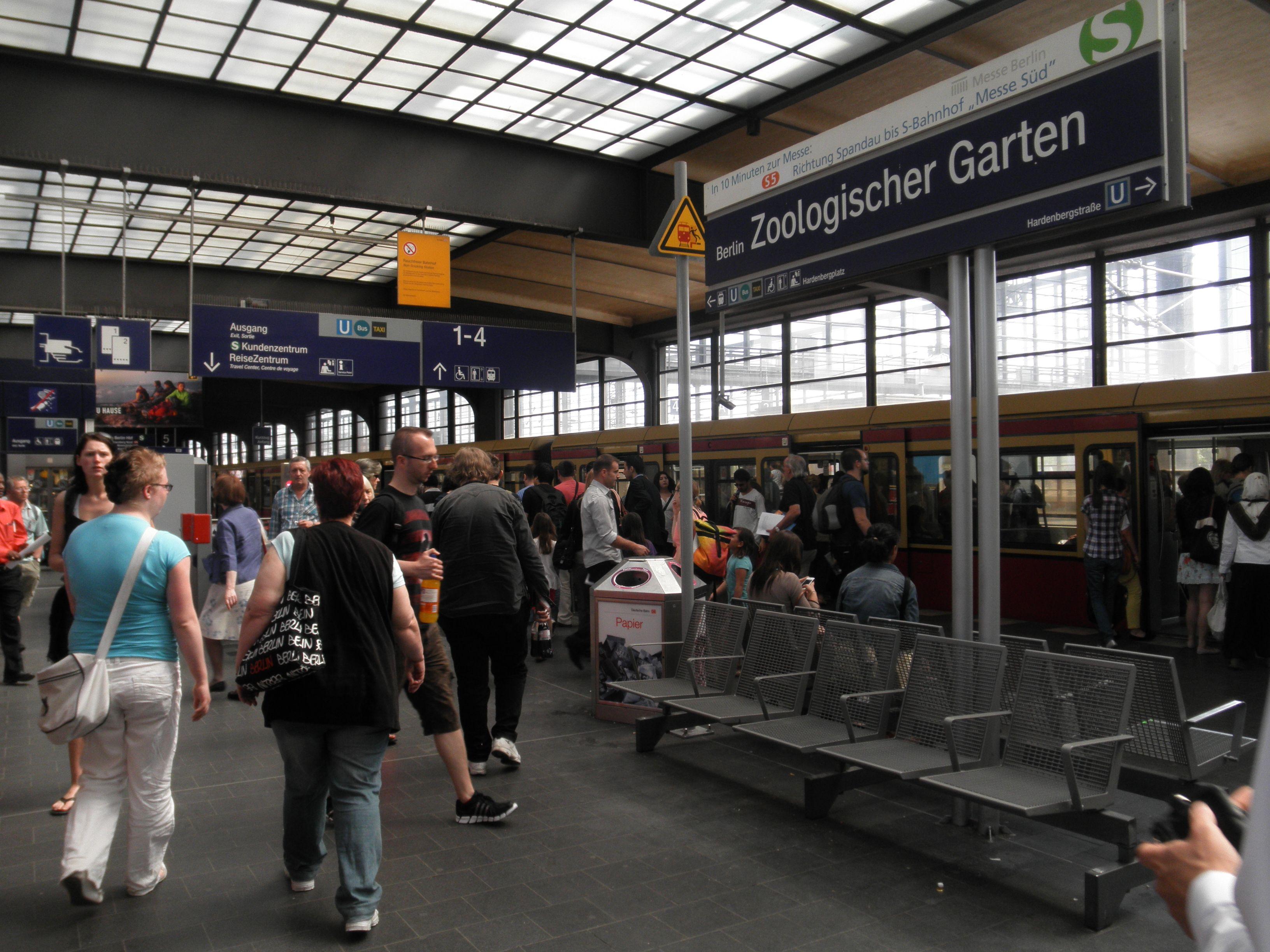 Bahnhof Zoo Berlin Berlin Pinterest Train Station Berlin And