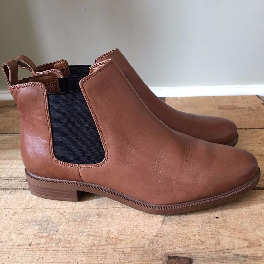 clarks wide fit boots uk