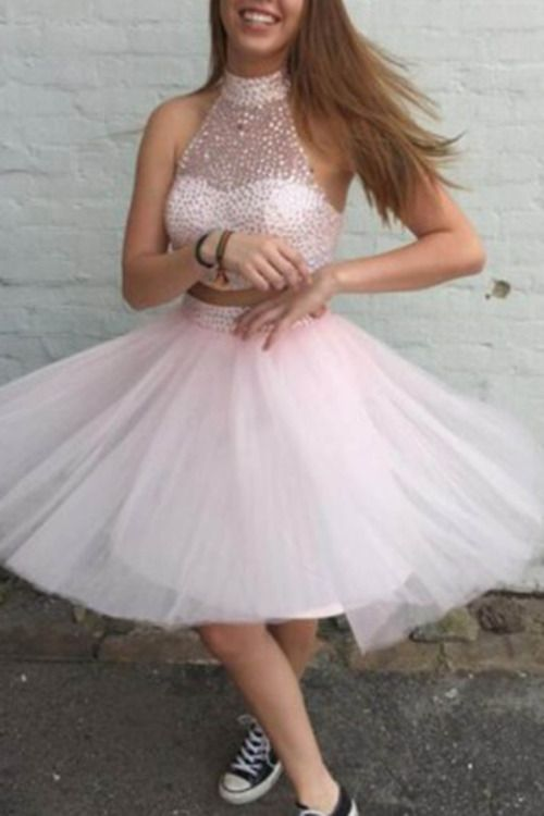 5ab271af127 short prom dress with converse looks playful | Prom | Cute short ...