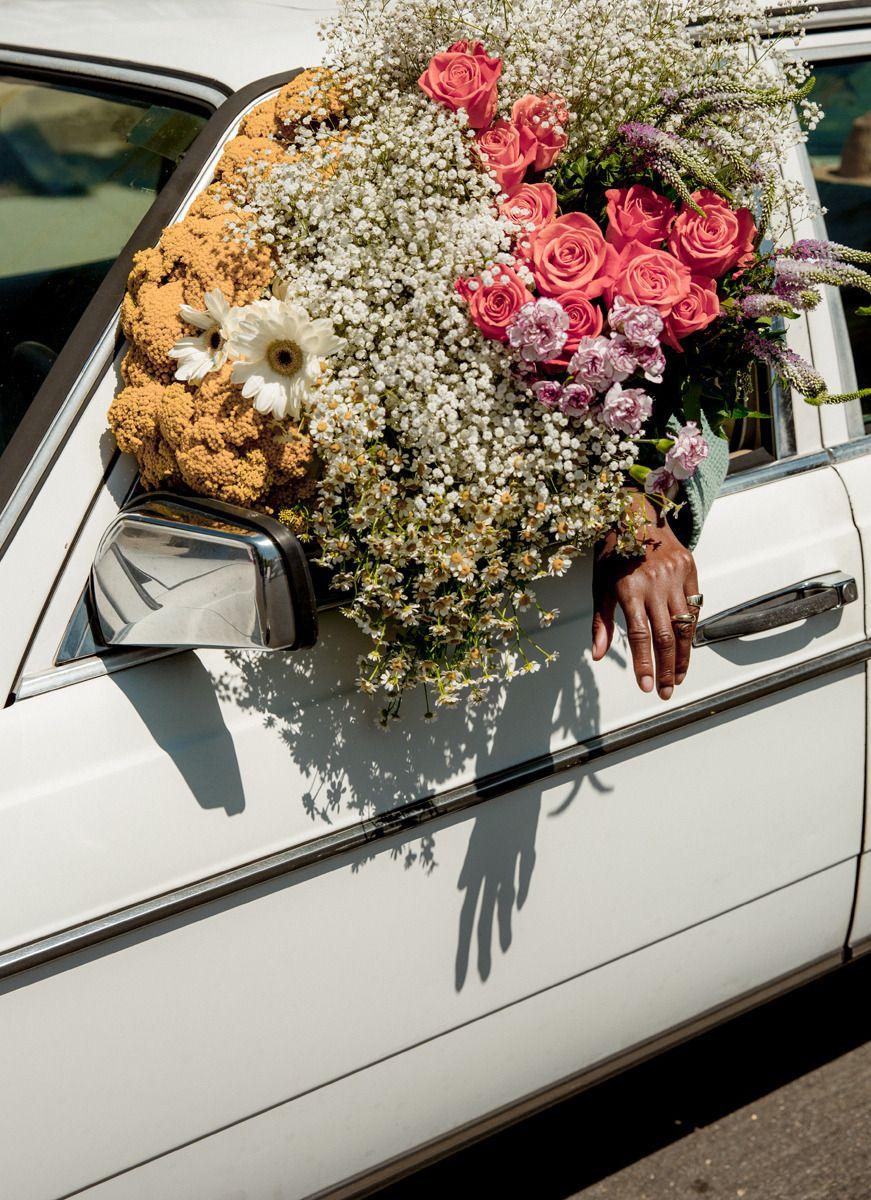 машина с цветами картинки красивые перевозки