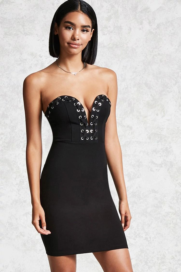 A Knit Mini Bodycon Dress Featuring A Strapless Design Sweetheart Neckline Lace Up Trim With High Polish Oblegayushee Plate Koktejlnoe Plate Korotkoe Plate [ 1125 x 750 Pixel ]