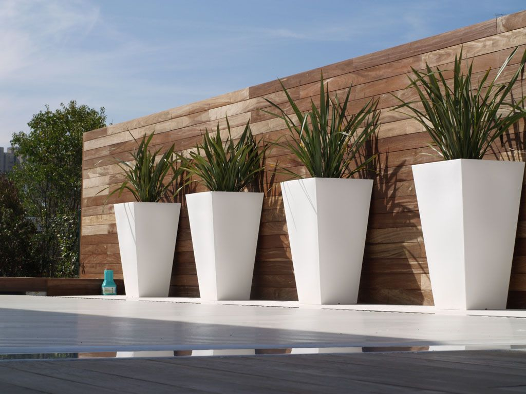 Phormium Contemporary Cubico Planters In White Very Sleek