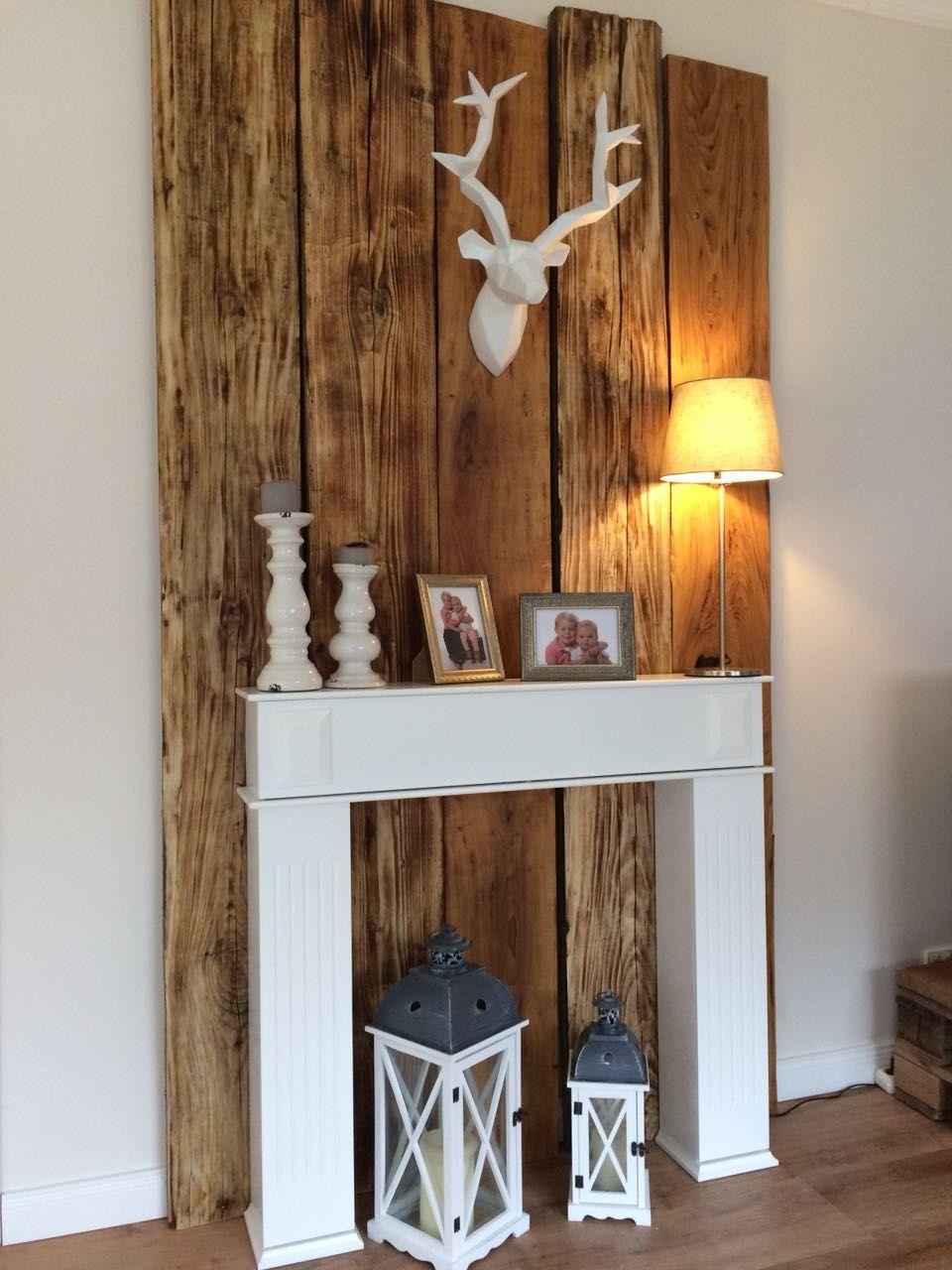 Holzwand im Wohnzimmer  Holzwand wohnzimmer, Holzwand, Holz