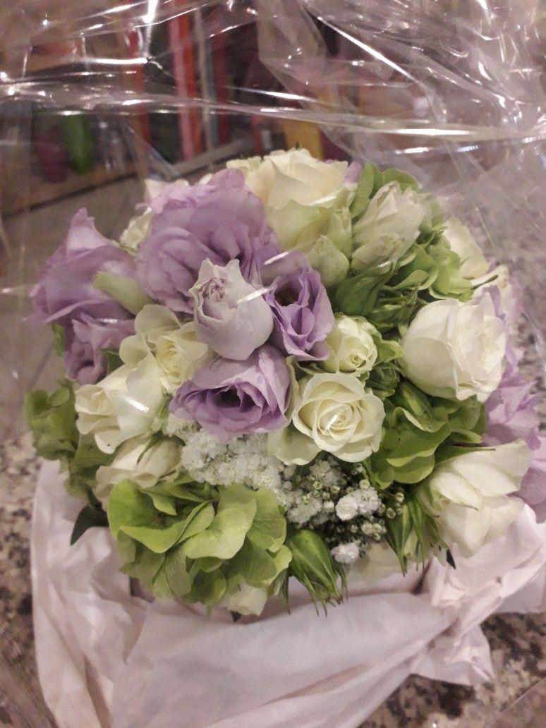 Bouquet Sposa Udine.Bouquet Romantico Fioreria Cafe Fleurs Udine Bouquet Fiorerie E