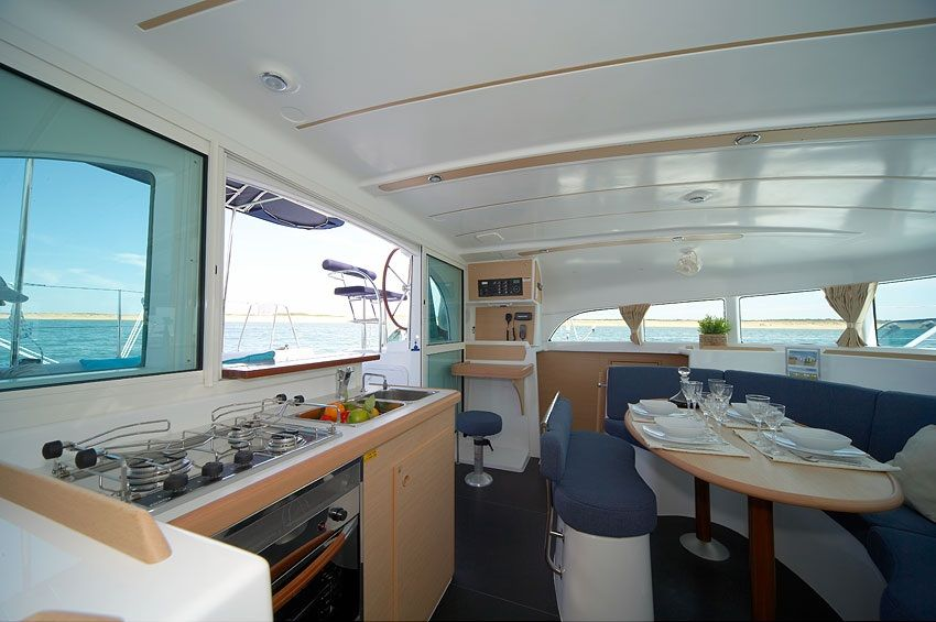Lagoon 380 Private Tour