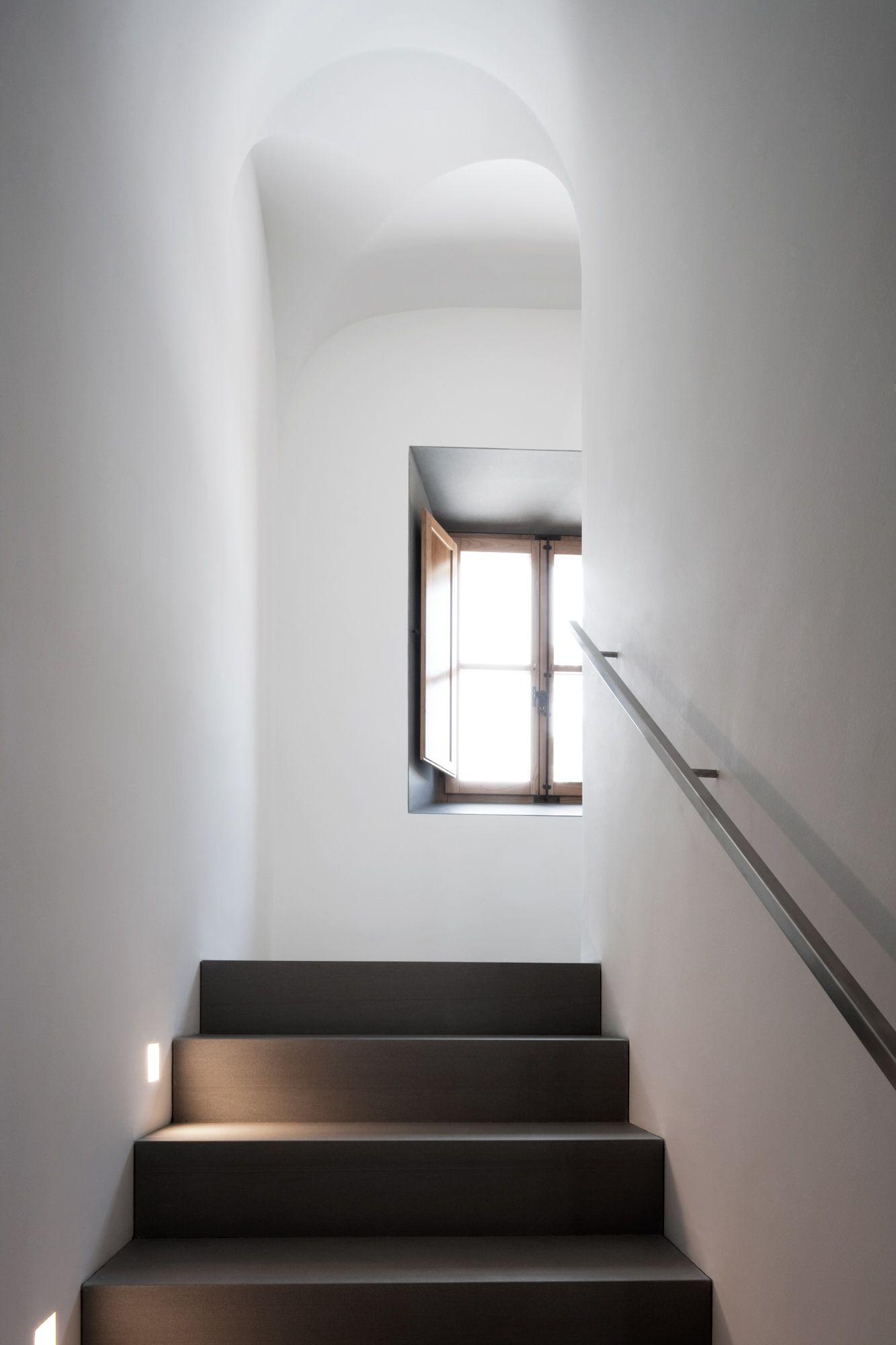Stair light details john pawson montemaggio estate for John pawson lighting