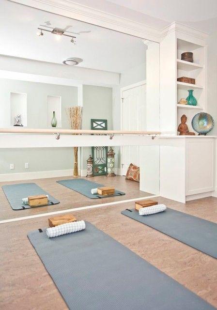 One Room Three Looks A Serene and Simple Home Yoga Room  fckyeah yogastudio  Fitnessraum zu