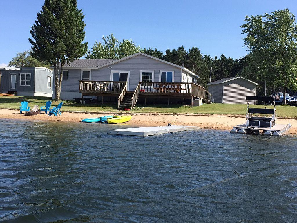 7054925ha Summer Sands Landing Lake michigan