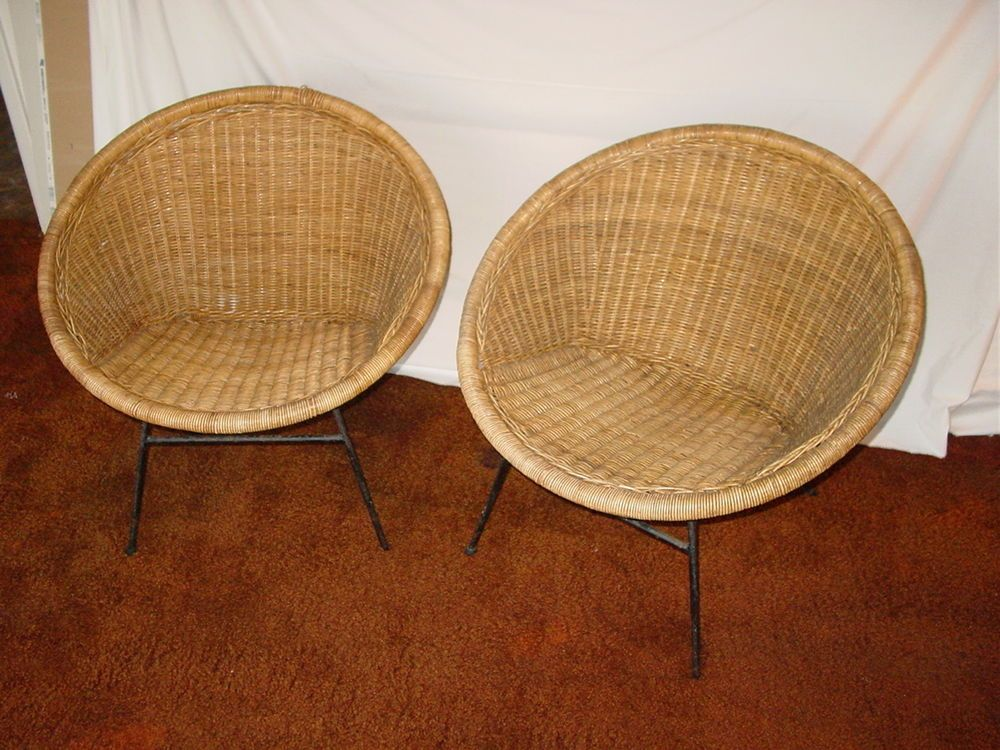 Beautiful Pair Vintage Mid Century Modern Atomic Wicker Saucer Sputnik Chairs Rattan