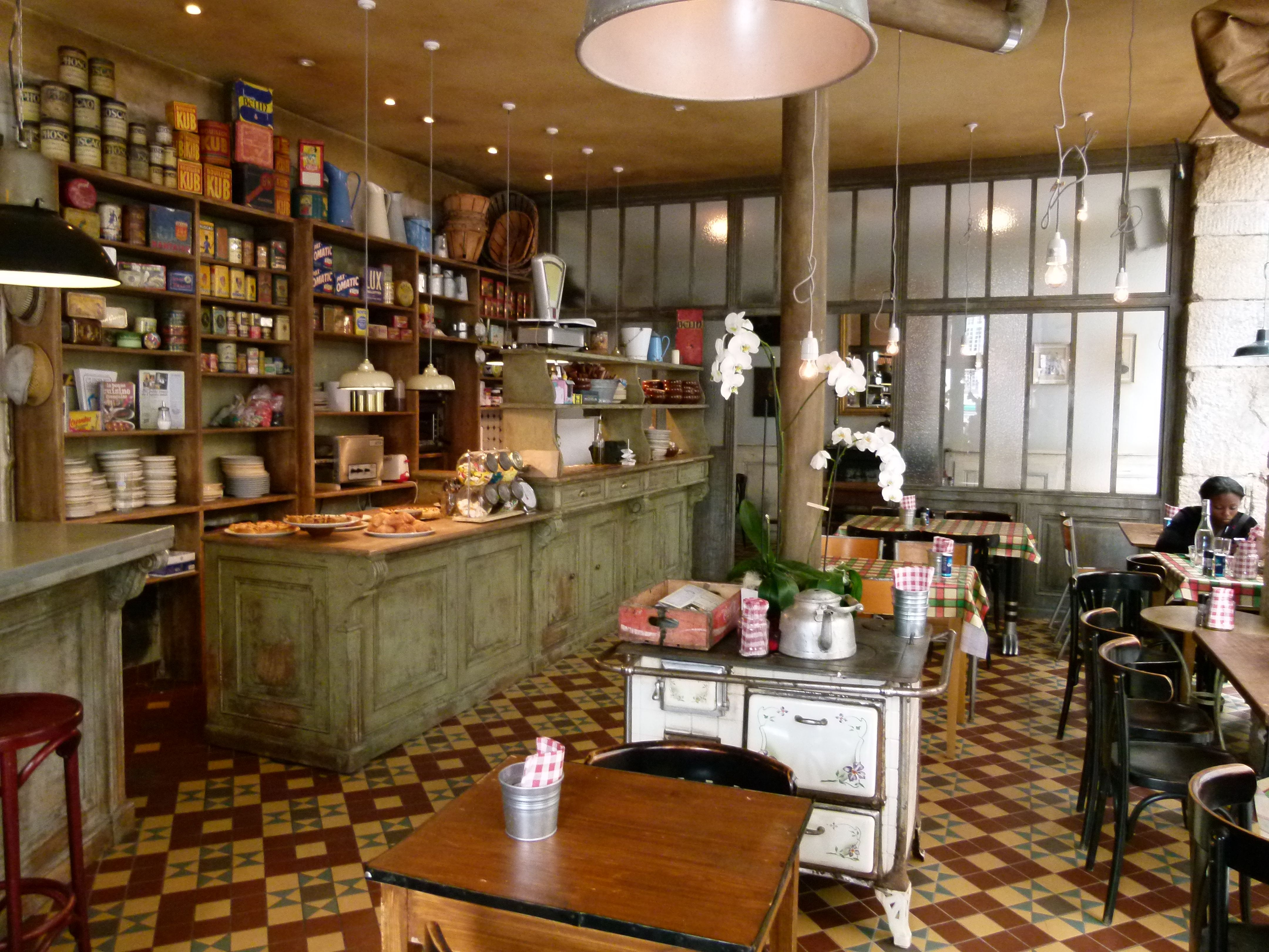 Restaurant L épicerie Place Du Bouffay Nantes Photo By