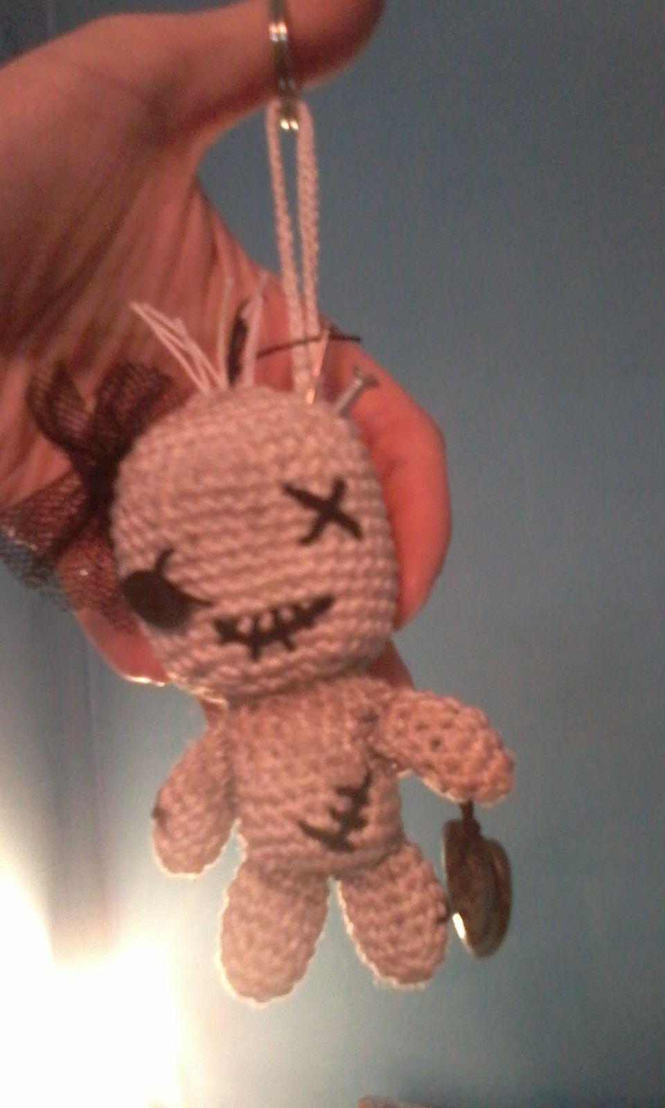 amigurumi voodoo doll keychain pattern: http://abbygurumi.tumblr.com ...