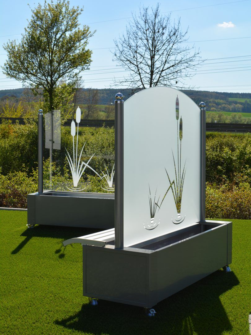 windschutz aus glas f r garten und terrasse garten. Black Bedroom Furniture Sets. Home Design Ideas