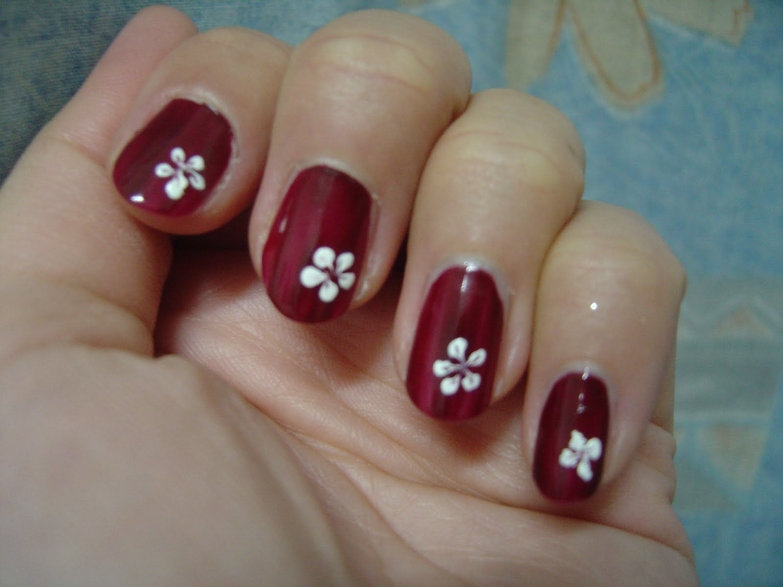 Awesome Simple Cute Nail Design Flower