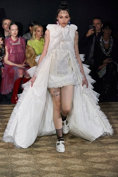 Sfilata Viktor & Rolf Parigi – Alta Moda Autunno-Inverno 2020-21 – Vogue