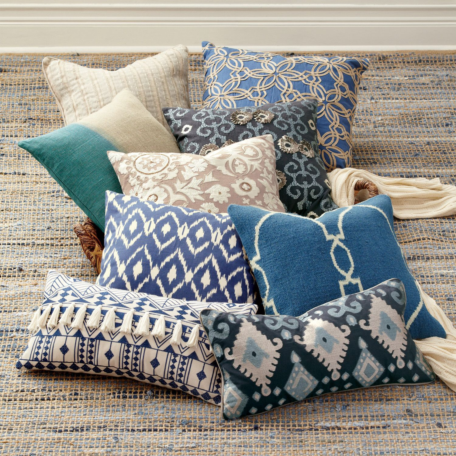 Raina Pillow Cover The Raina Pillow Cover S Lively Southwestern Design Is Subdued By A Cool Blue And Gray Palette Made Of 100 Cotton Pillows Blue White Pillows Pillow Covers