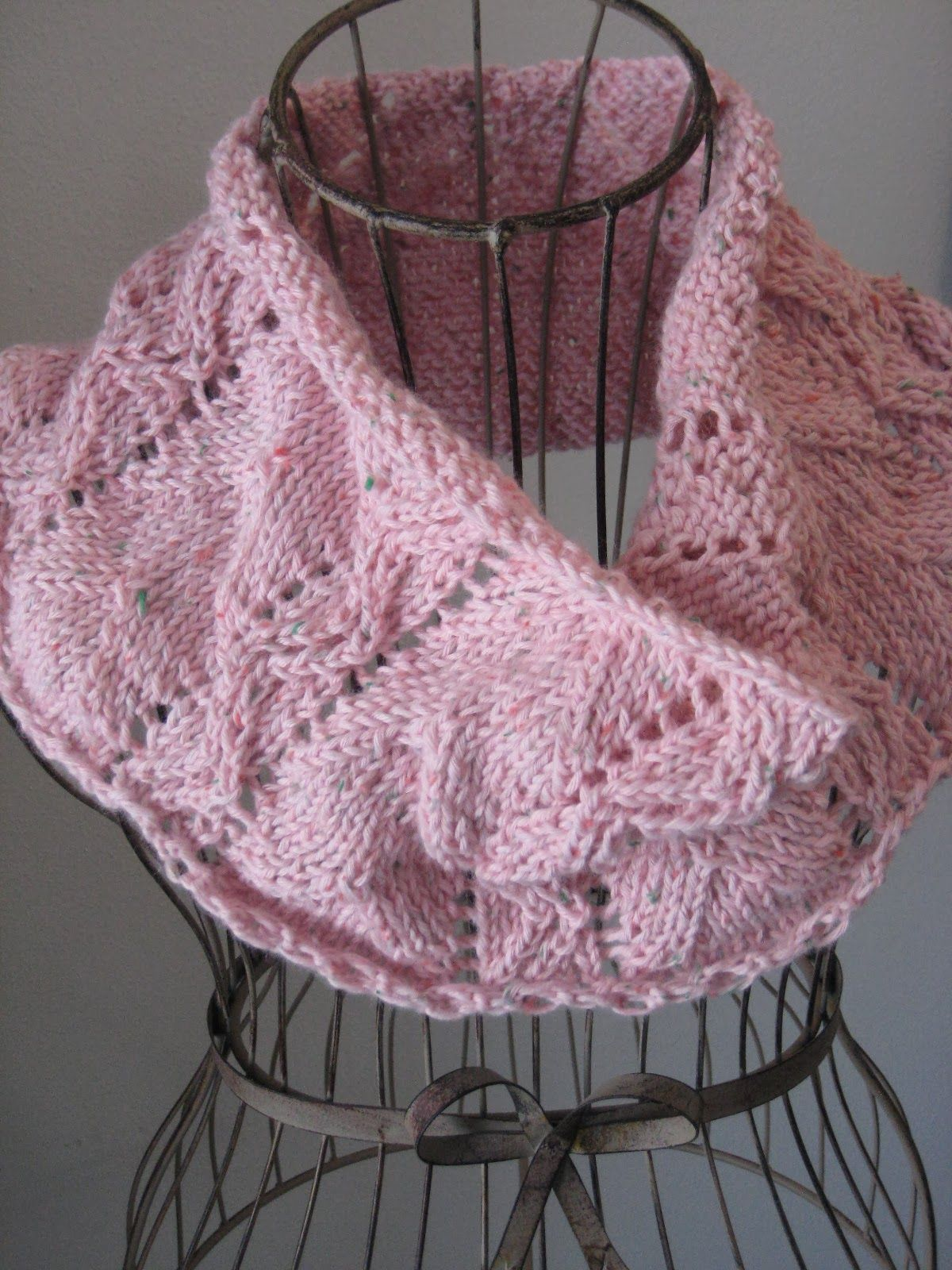 Spring Lace Cowl | Knitting patterns, Patterns and Knit cowl