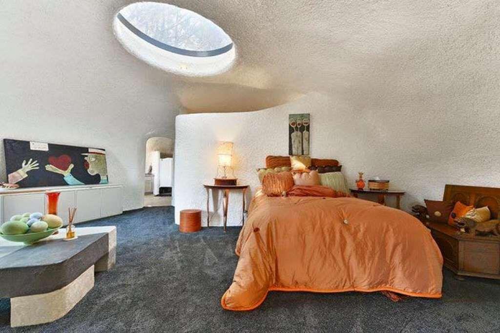 Architect William Nicholson Built The Flintstone House To