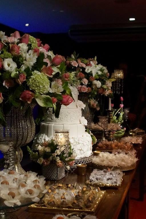 Detalhe Mesa de Doces, casamento em tons rosa, verde e branco