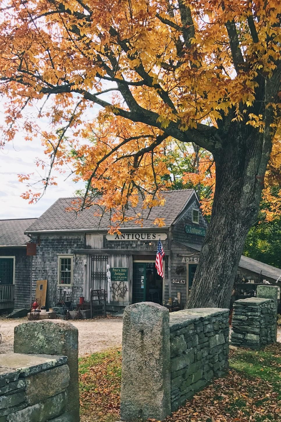 A fall season in Vermont is the perfect getaway. Get