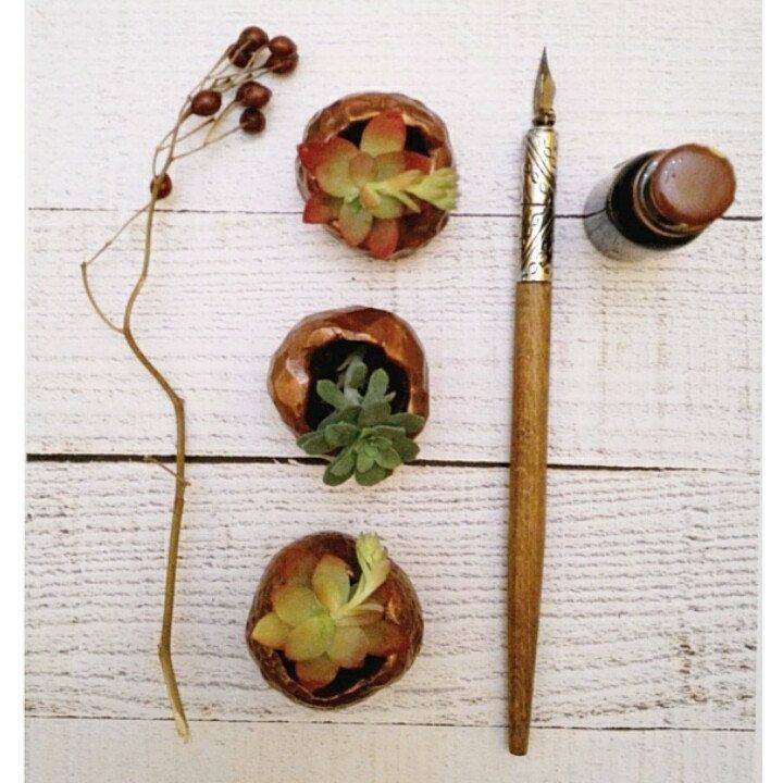 Etsy homedecor trends for 2016: geometric shapes, matte finish, metals. You can find all in these mini succulent planters handmade in polymer clay copper color.