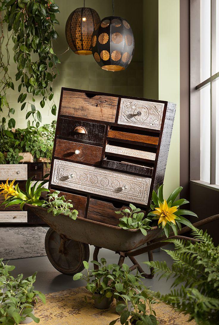 naturellement elegante la collection de meubles finca seduira les amoureux de la nature ses
